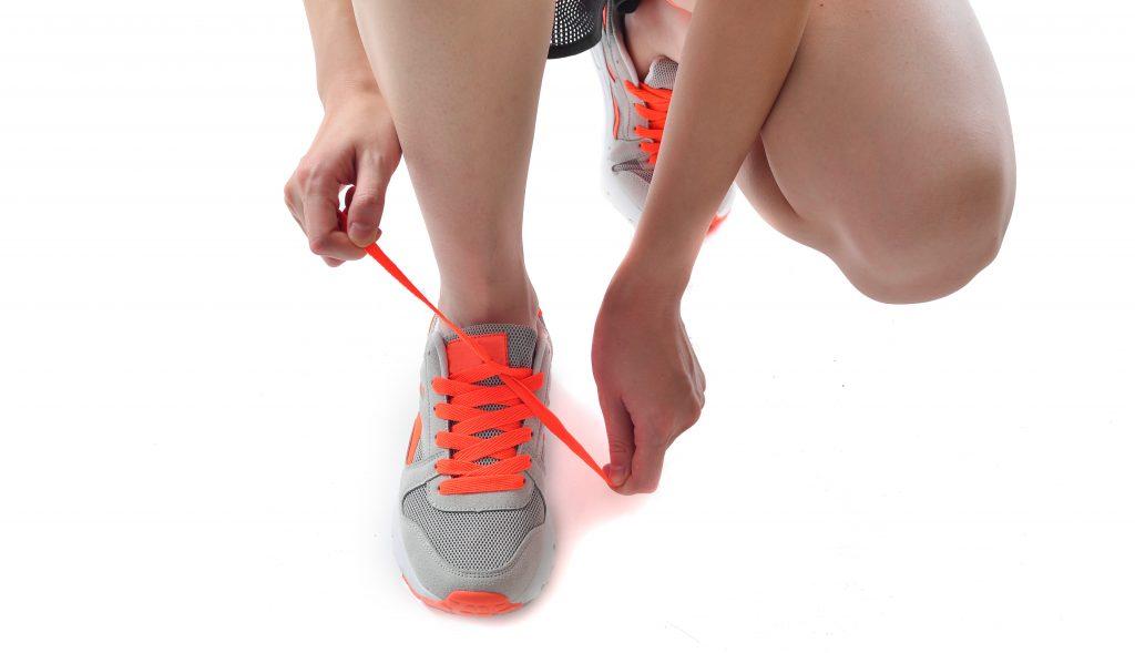 Apretando las zapatillas