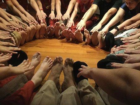 feet-2191155__340